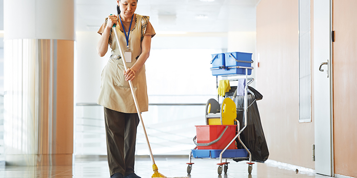 asthma-woman-cleaner-slide-696x348