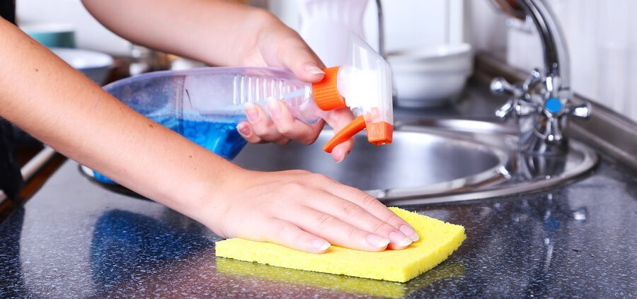 cleaning-kitchen-900x600