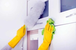 dusting-cabinets